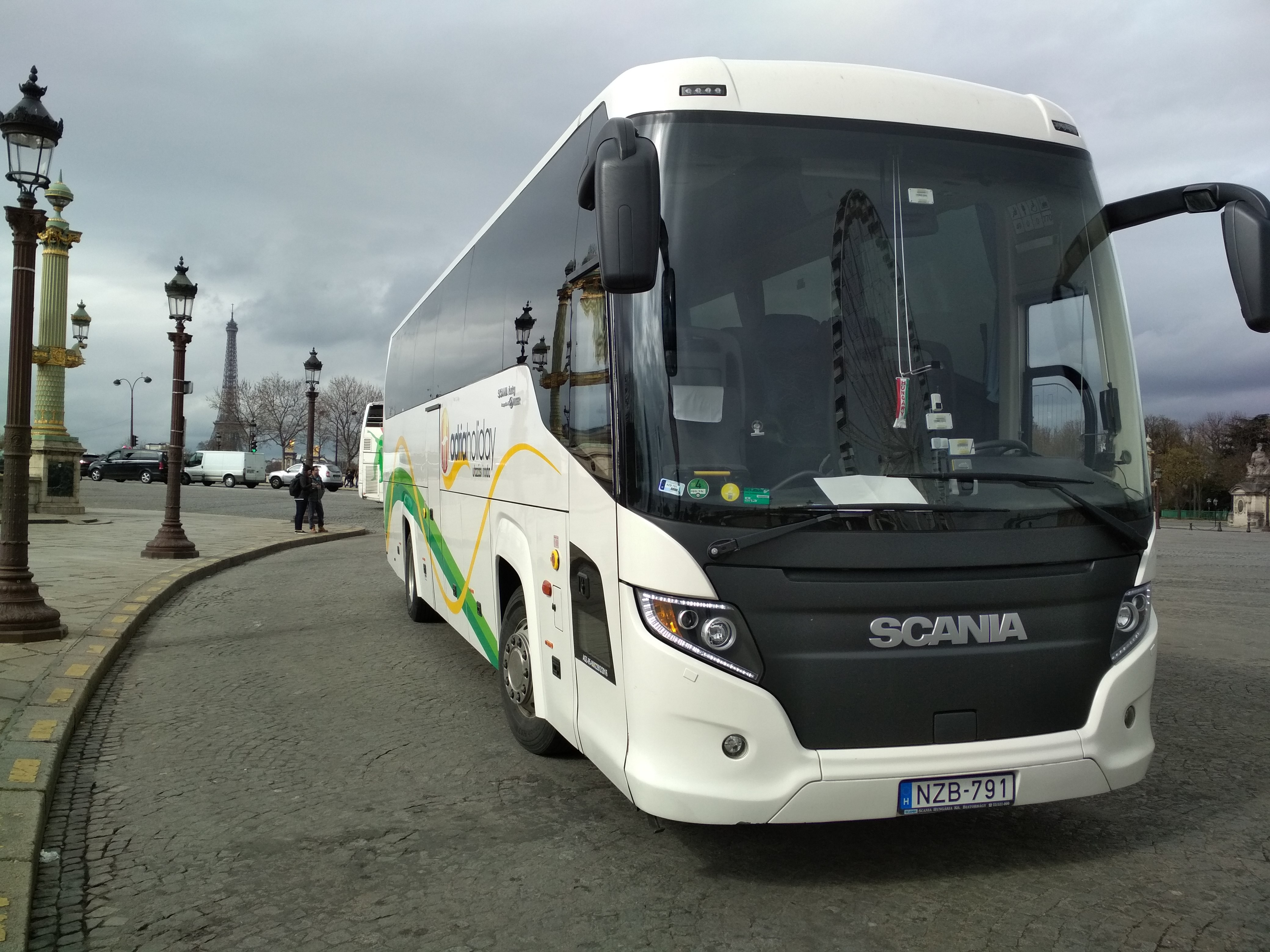Scania Touring HD